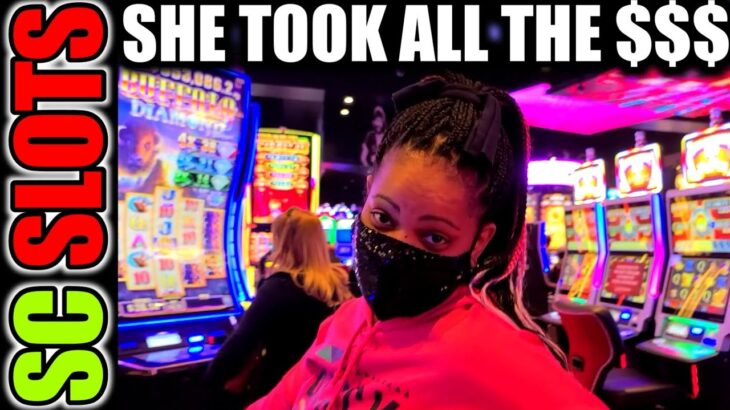 She Makes Winning Huge At The Casino Look So Easy!!!